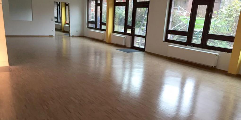 Parkett verlegen in Oer-Erkenschwick: Neuer Parkettboden im Klassenraum