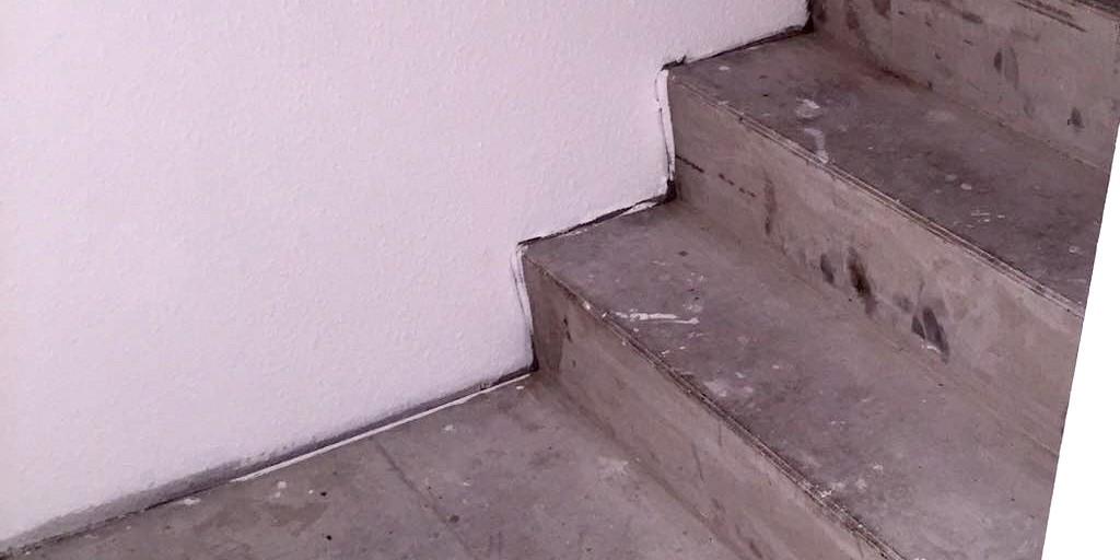 Treppenstufen vor der Sanierung