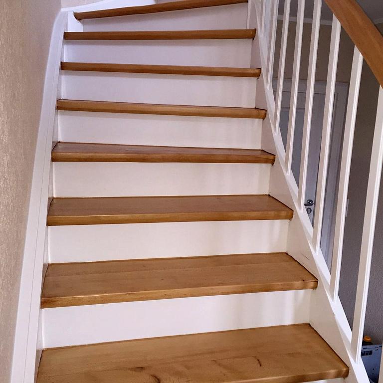 Treppenrenovierung durch Schleifen