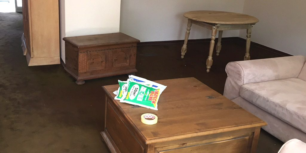 Zimmer mit altem Teppich