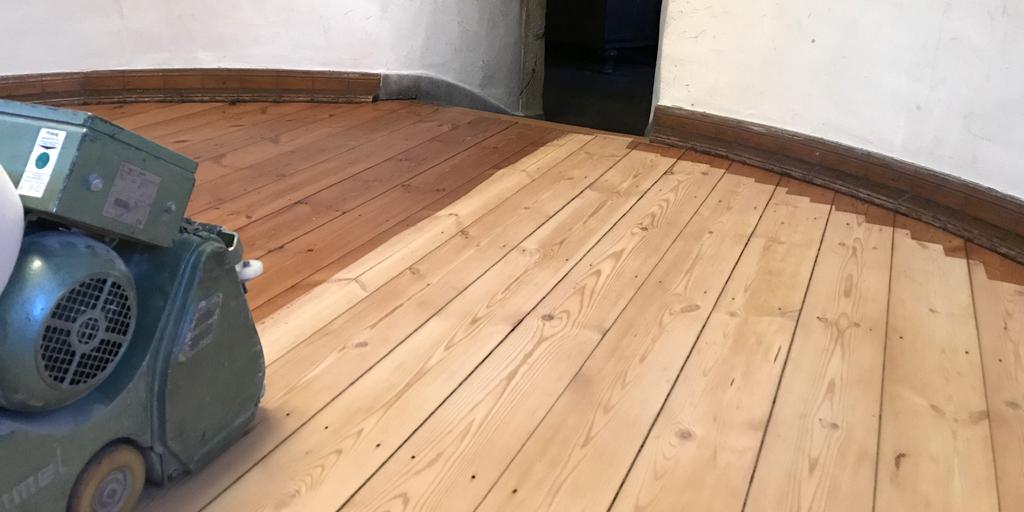 dielenboden erneuern simple ein fuboden muss den entsprechen und in den raum passen darin liegt. Black Bedroom Furniture Sets. Home Design Ideas