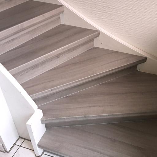 renovierte Treppe mit trenovo