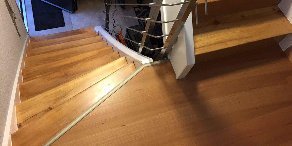 Die Treppe ist modernisiert und erstrahlt im neuen Design.