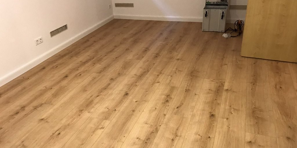 Warmer Fußbodenbelag für den Keller: Modular One von Parador