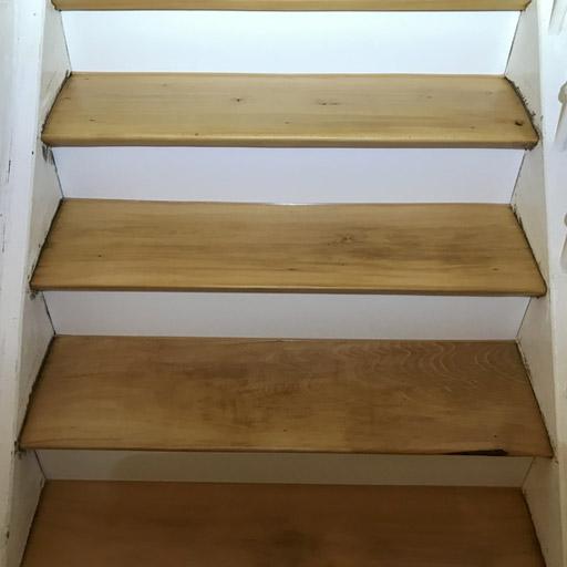 Treppe nach der Sanierung