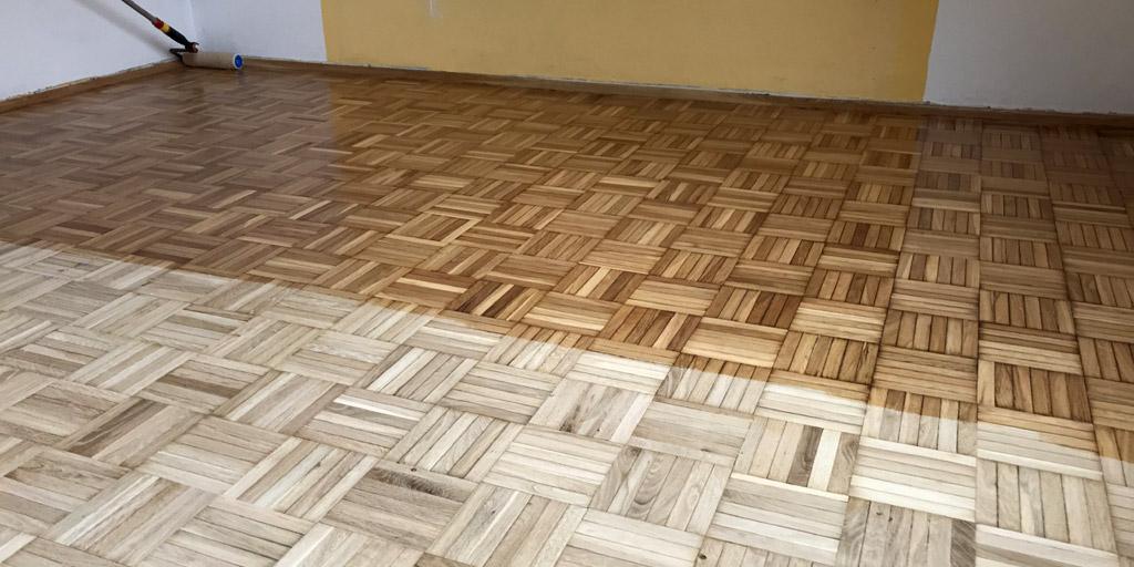 Teppichkleber von Holzboden entfernen: Danach sollten Dielen und Parkett richtig beschichtet werden.